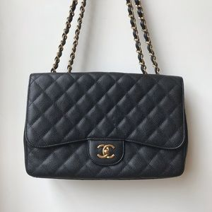 Chanel jumbo single flap in caviar
